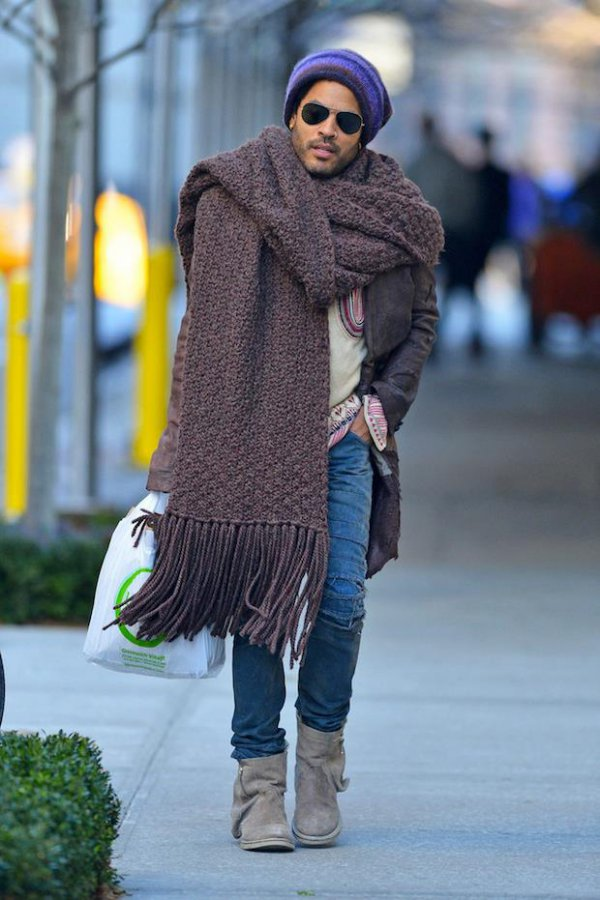 2ba8c1df0e7a37021cc0d23851401b85-lenny-kravitz-why-is-your-scarf-so-big